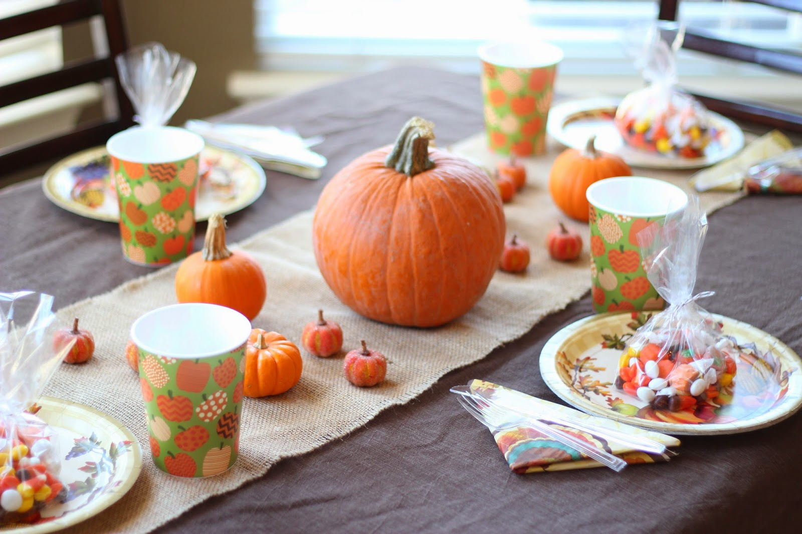 Cutest thanksgiving table decoration ideas quotes square