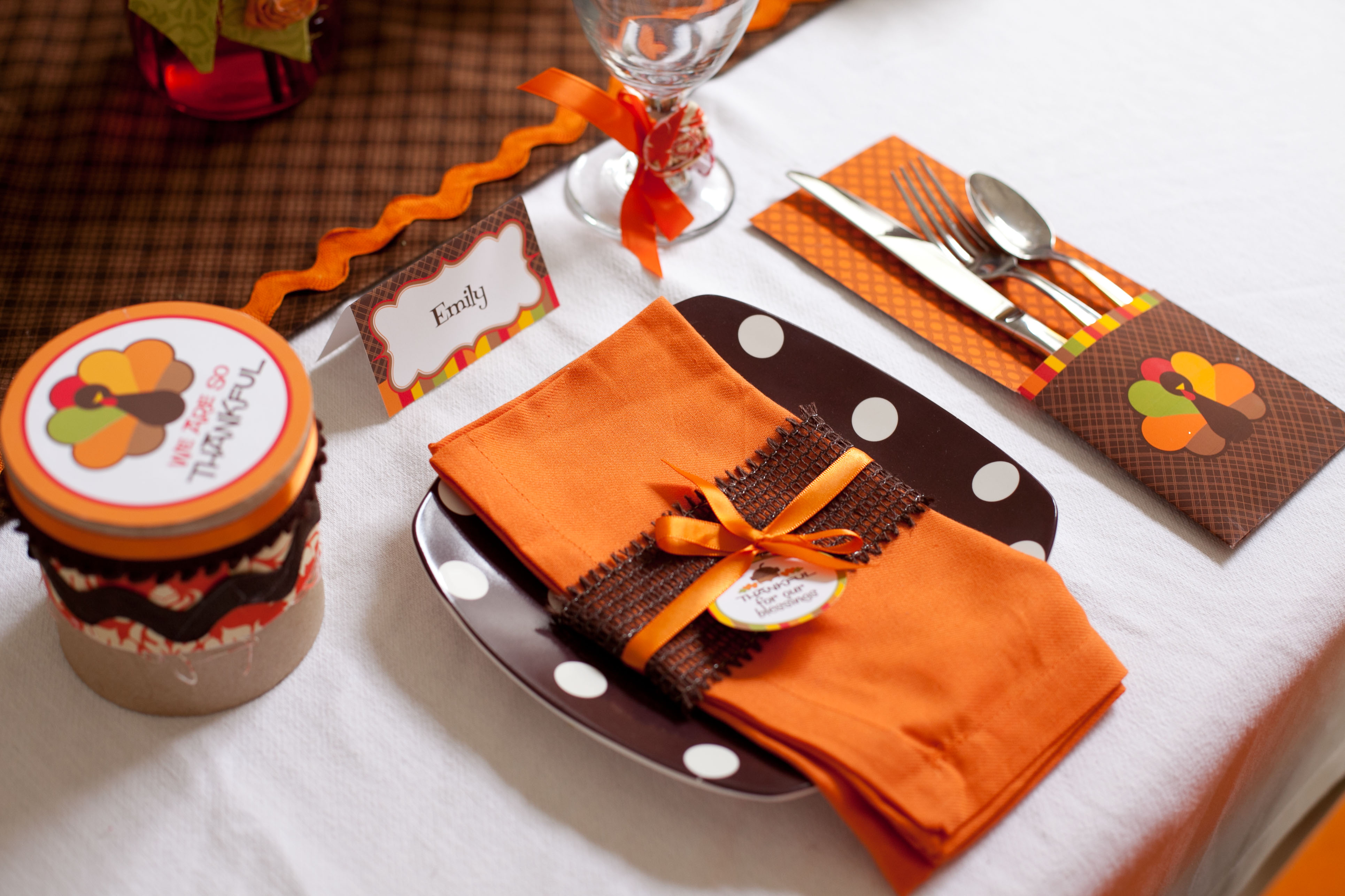 6 cutest thanksgiving table decoration ideas quotes square Cheap thanksgiving table setting ideas