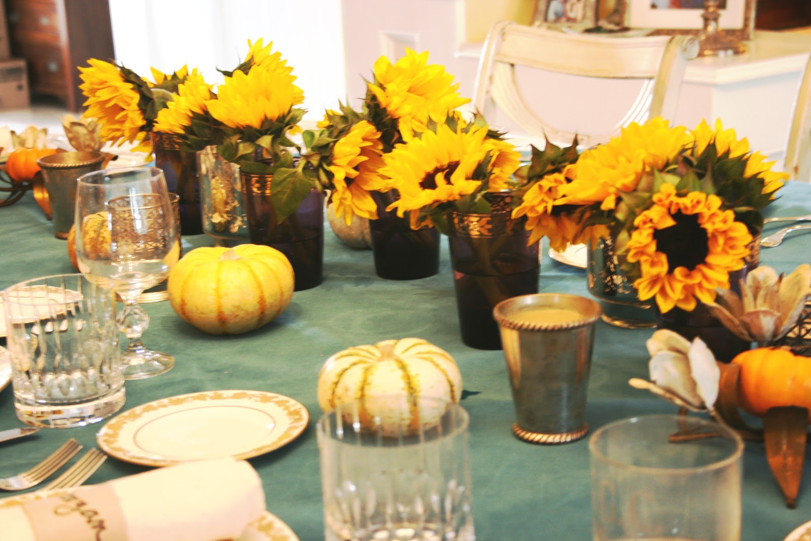 6 cutest thanksgiving table decoration ideas quotes square for Dinner table decoration ideas